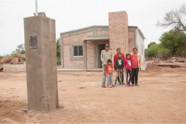The Santillán managed to be beneficiaries of the Plan for the Eradication of Ranches that consists in the construction of a house of material so that they throw down theirs