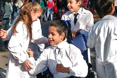 Candela goes to the Fe y Alegría Institute in Corrientes from 1st grade.