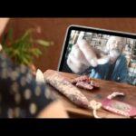 Anuncio Espetec CASA TARRADELLAS - Videoconferencia entre abuelo y nieta