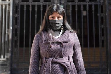Flora Alvarado, at the entrance of what was her secondary: the Colegio Nacional Buenos Aires.