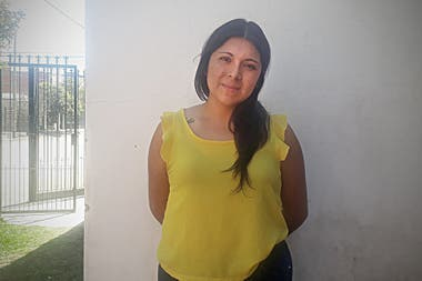 Lorena is 24 years old, is a social worker and was one of the winners of the Avon Foundation award, which highlights the work of women who help other women and their communities