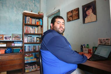 Esequiel Gómez (30), has had the service since the end of March;  thanks to that he was able to continue working from home