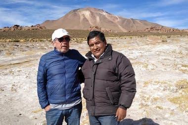 Jorge Gronda with René Calpanchay, leader of the Atacameño people