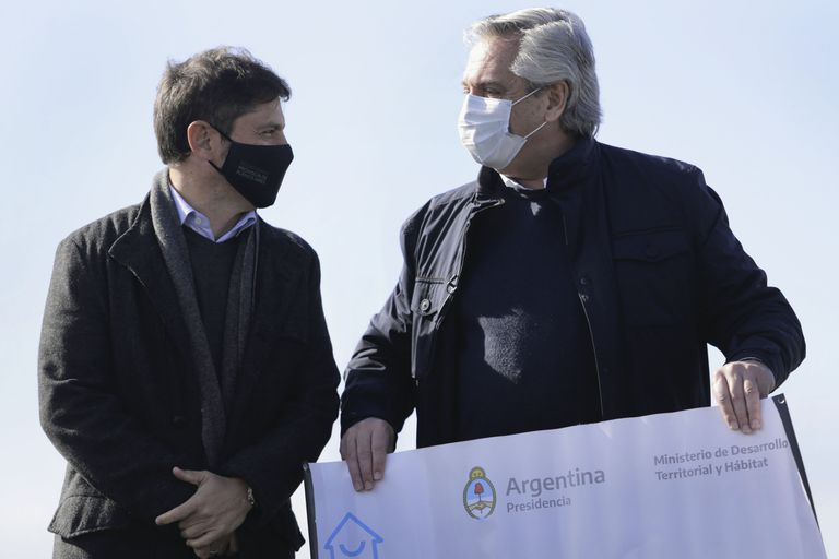 The governor of the province of Buenos Aires, Axel Kicillof, participated together with President Alberto Fernández, in the Buenos Aires city of Mercedes, in the announcement of a total investment of 77.2 billion pesos to advance in infrastructure works