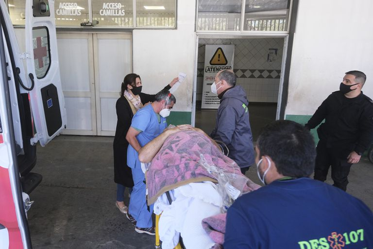 The arrival of deputy Miguel Arias to the General San Martín school hospital, the most complex in the province.