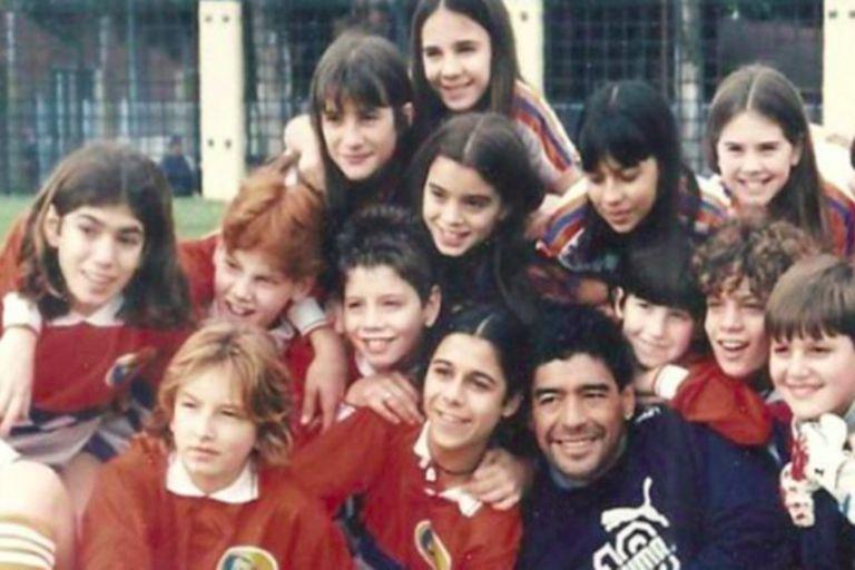 The cast of Cebollitas with Diego Maradona